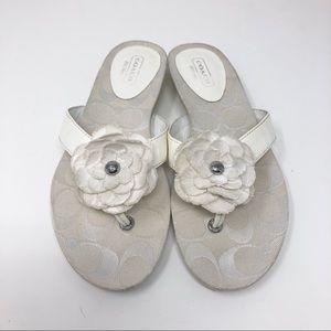 Coach Samira White Flower Flip Flop Sandals Sz 5B